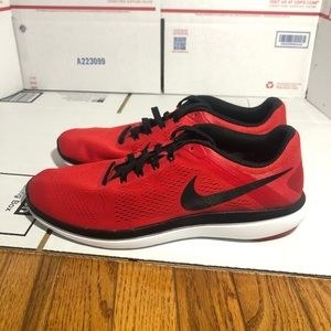 Brand New Nike Flex 2016 Run Red White